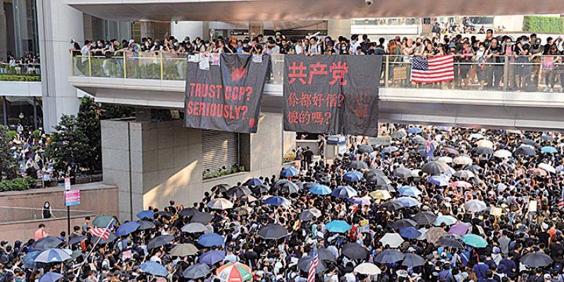 2019年9月8日,本港市民舉行《香港人權與民主法案》祈禱會,並遊行到美國領事館請願,呼籲美國國會通過《香港人權與民主法案》。(宋碧龍/大紀元)
