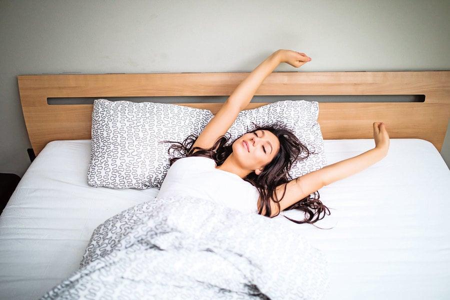 超簡單助眠動作!睡前做一分鐘 一覺睡到天亮