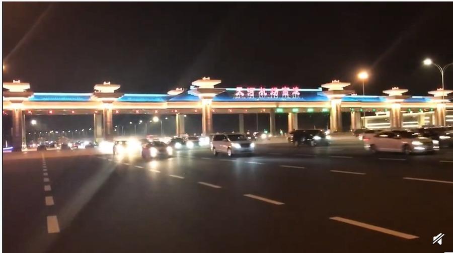 武漢解封小區仍嚴控 數萬人奔上海 網絡「炸鍋」