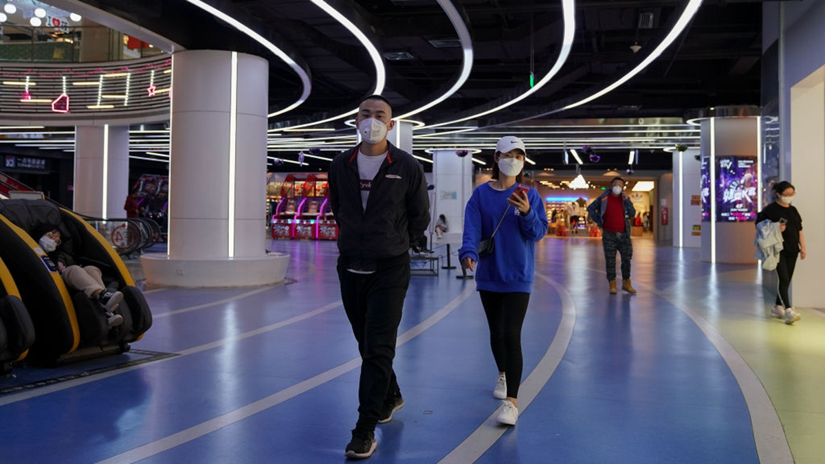 圖為北京一家商場,裏面人流很少,冷冷清清。(Lintao Zhang/Getty Images)