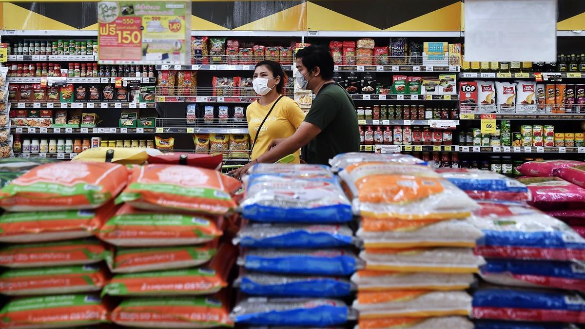 中共政府不僅「掃光」全球口罩等防疫物資,又在全球大肆搜刮糧食。示意圖(LILLIAN SUWANRUMPHA/AFP via Getty Images)