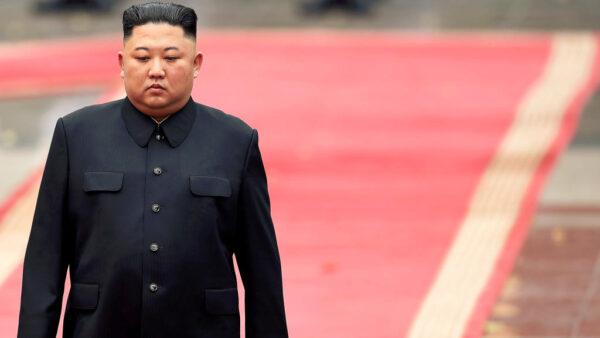 北韓領導人金正恩健康問題再度引發關注。(MANAN VATSYAYANA/AFP via Getty Images)