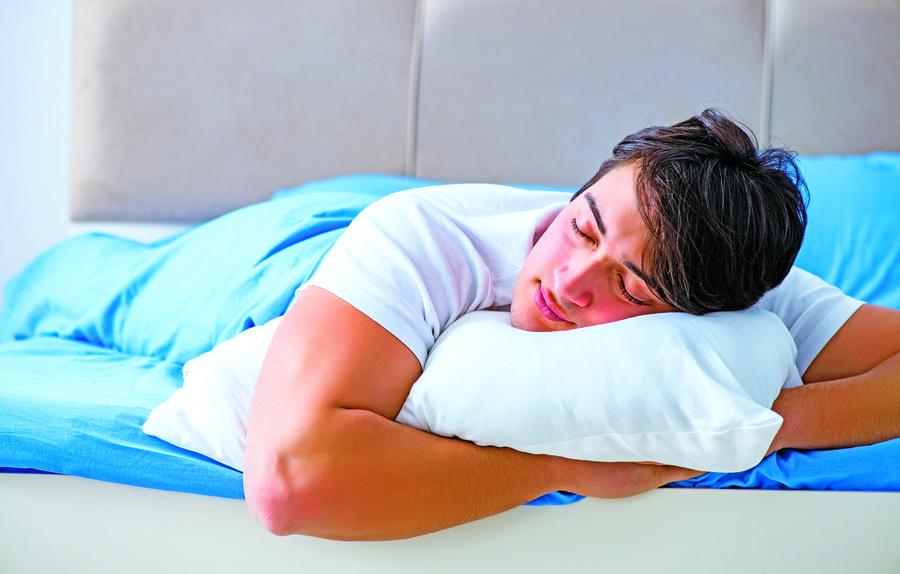 你的睡姿正確嗎?睡姿不良會傷害脊椎引發疾病