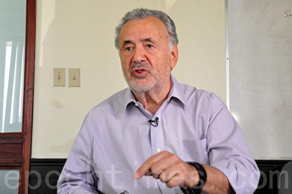 加拿大前聯邦參議員迪尼諾(Consiglio Di Nino)表示,他是一名法輪功人權的捍衛者。(周行/大紀元)