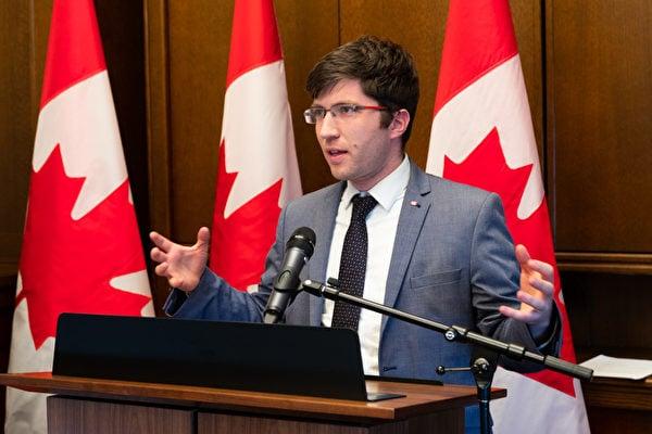 加拿大國會議員加內特・吉尼斯(Garnett Genuis)表示,「信仰和精神追求不應受到政府的干涉,這是基本的人權,是得到全球共識的。」(大紀元)