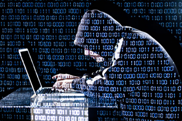 美國微軟公司(Microsoft)研究人員在2018年1月發現,華為筆記本電腦確實裝有後門。(Getty Images)