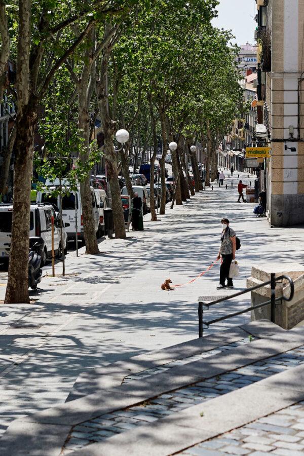 西班牙的禁足令已實施6周,自5月2日起,將允許民眾戶外運動。(Carlos Alvarez/Getty Images)