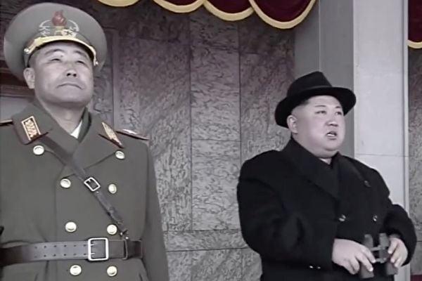4月12日以來,北韓勞動黨黨魁金正恩隱身至今逾兩周,生死成謎,種種異常,引發外界猜測。 圖右為金正恩。(大紀元資料庫)