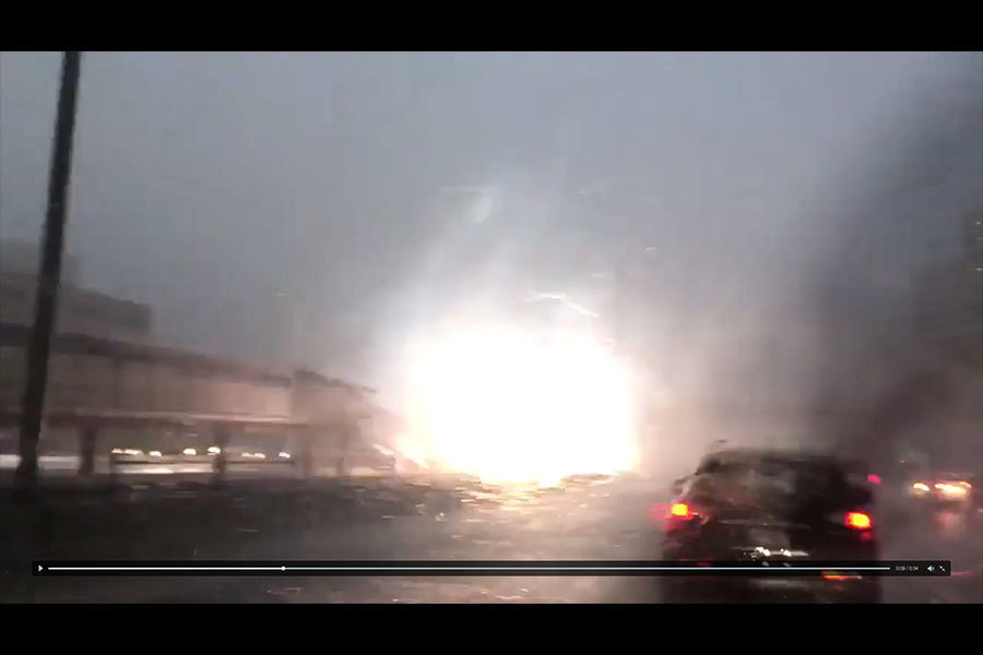 芝加哥地鐵站被雷電擊中 驚悚視像曝光