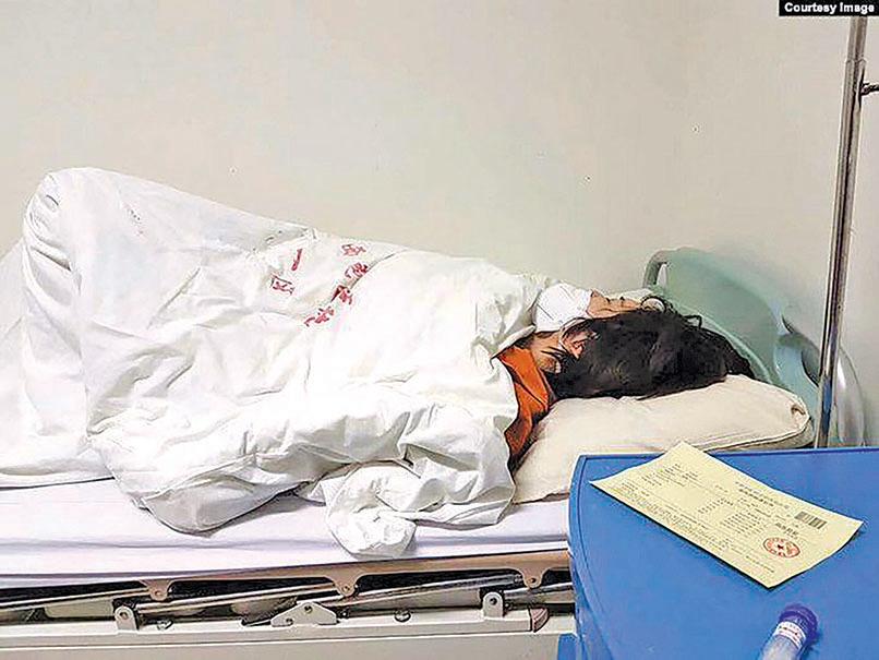當地時間4月26日,李文足因患急症被送入北京西苑醫院急症室。(推特截圖)