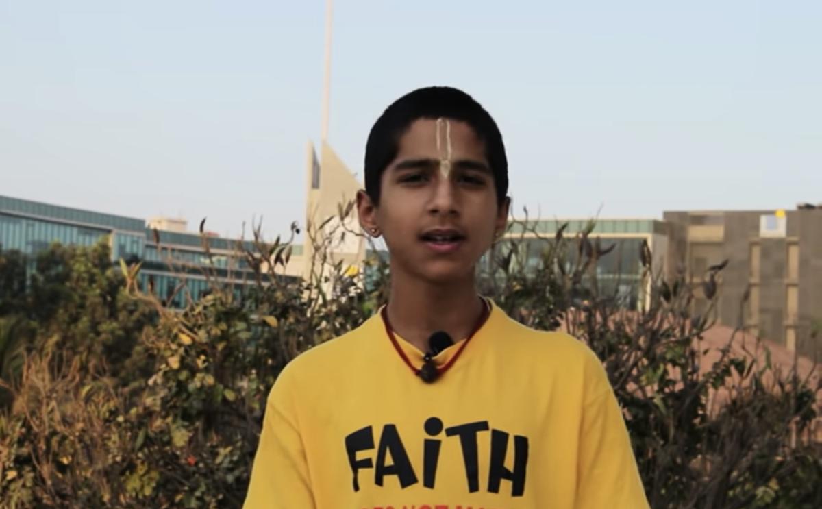 印度14歲的神童占星家阿比吉亞·阿南德,精準預言了此次中共病毒(武漢肺炎)的大爆發,並指還有更大疫情將會來臨。(視頻截圖)