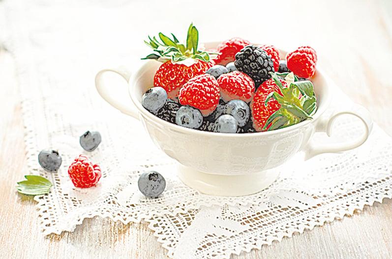 許多主廚都喜歡冷凍莓果,可以製作果昔沙冰、冰淇淋、莓果乳酪等。