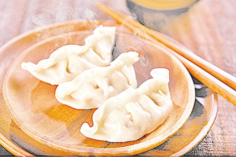 各國的冷凍餃子是主廚們快速上菜的秘密武器。