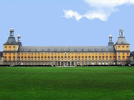 波恩大學主樓。(維基公有領域)