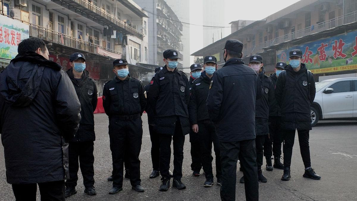 中共湖北省紀委2020年5月5日宣佈,當地在防控疫情期間處分了3000多名失職失責的黨員、幹部。示意圖(NOEL CELIS/AFP via Getty Images)