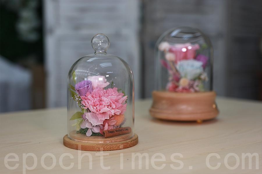 母親節保鮮花禮盒。(陳仲明/大紀元)
