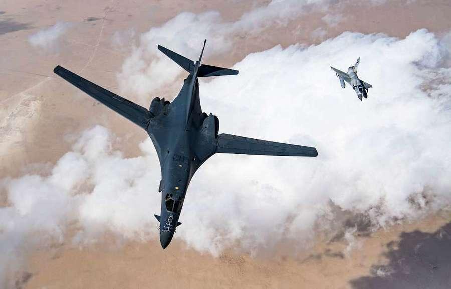 520前夕美中軍機隔空較勁 中共高層發文釋信號:習近平對台退卻