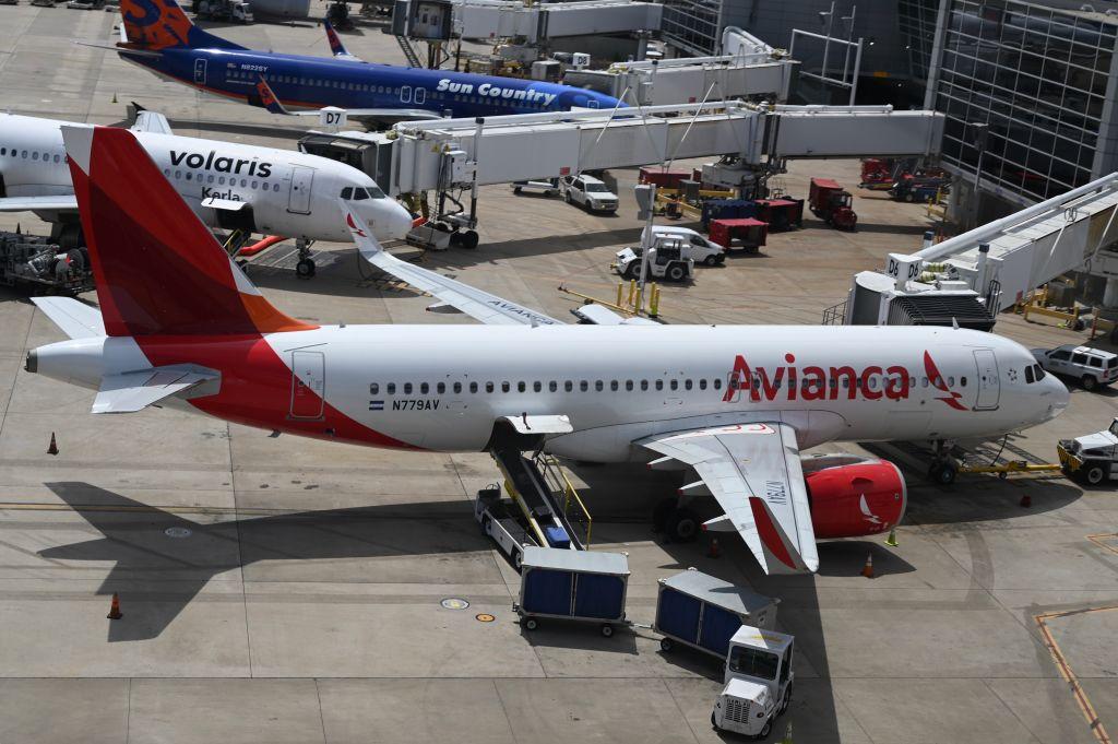 拉丁美洲第2大航空公司哥倫比亞航空公司(Avianca)2020年5月10日在美國申請破產保護。(DANIEL SLIM/AFP via Getty Images)