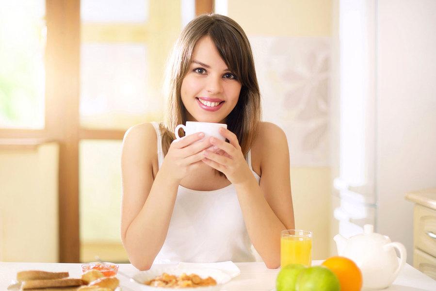 早上喝咖啡能提神? 有效醒腦的3種食物和3味茶飲