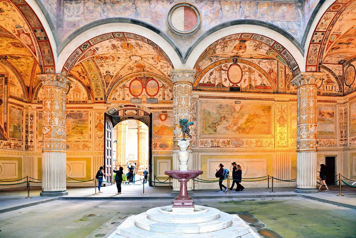佛羅倫斯領主廣場的維奇歐宮(舊宮)內景。(Shutterstock)