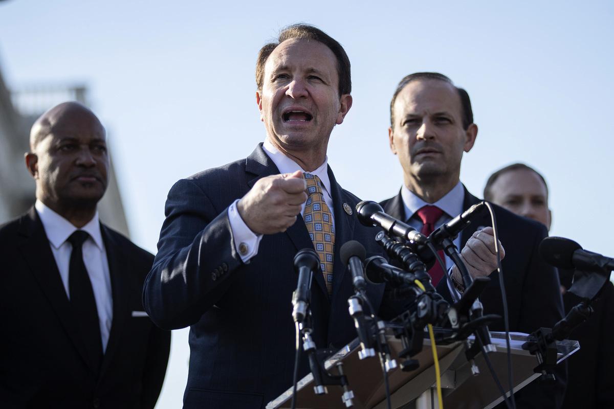 南卡羅來納州檢察長艾倫·威爾遜(中)資料照。(Drew Angerer/Getty Images)