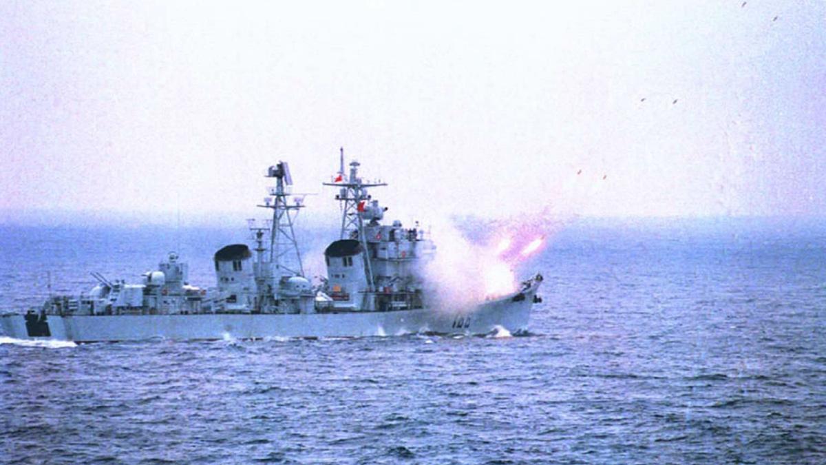 大陸海事局官網發11日發通告,將從2020年5月14日起,連續2個半月進行軍事演習。示意圖(STR/AFP/Getty Images)