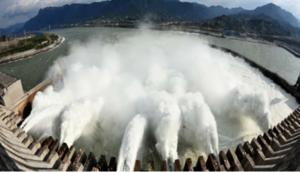 三峽大壩泄洪猛於海嘯  風水師預測大地震危及大壩