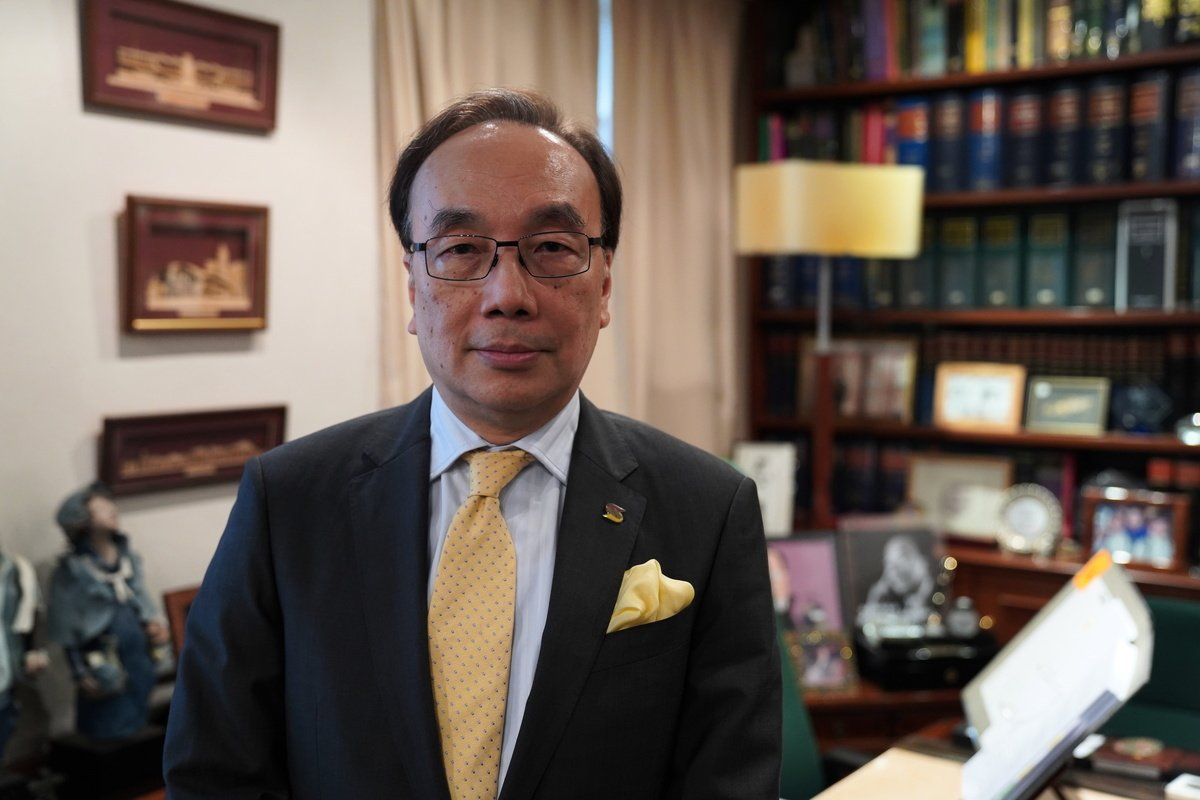 李慧琼奪位不敢公開律師聘書 公民黨主席、資深大律師梁家傑表示,爭奪戰讓世界看到中共在香港黨羽的醜陋。(Jack / 大紀元)