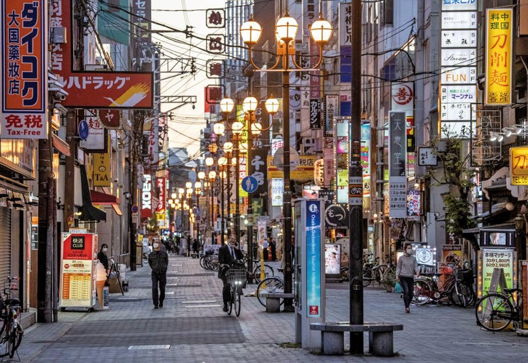 5月13日,昔日熱鬧的大阪街道,因中共肺炎疫情顯得格外冷清。(Getty Images)