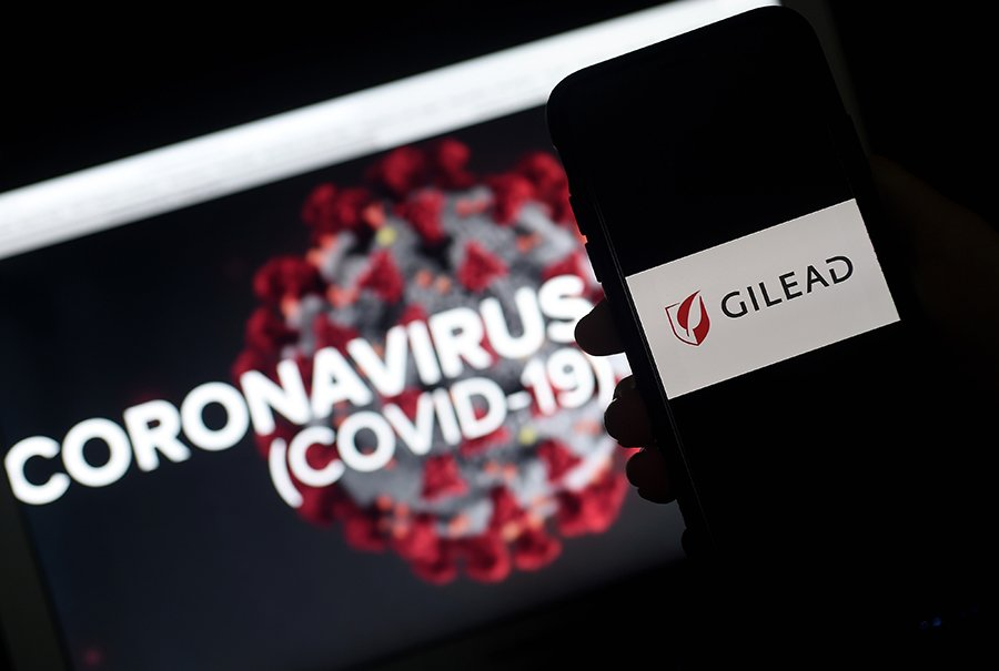 「瑞德西韋」(Remdesivir)研發商吉利德科學公司(Gilead Sciences,美碼GILD)成逆市奇葩,本年迄今上漲19%,扭轉其過往5年股價疲態。(OLIVIER DOULIERY/AFP via Getty Images)