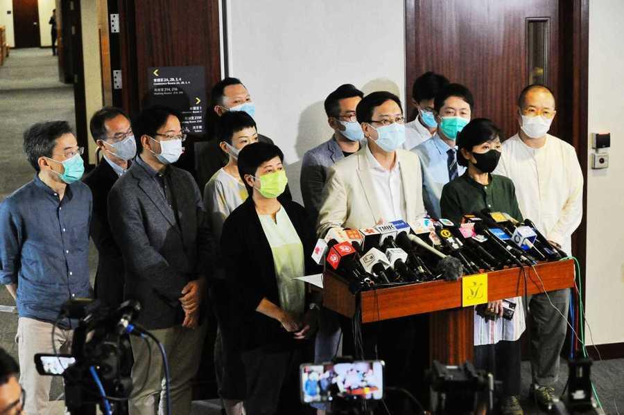 民主派回應取消試題 稱可能摧毀香港的考評制度