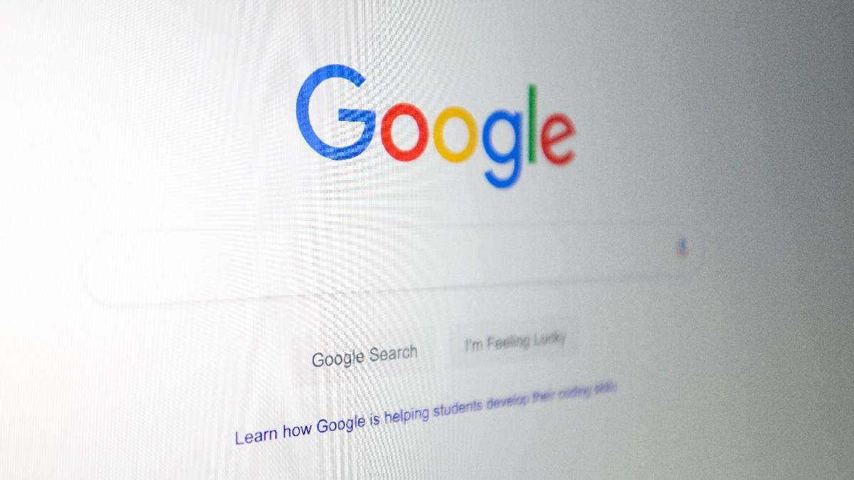 一台電腦上所呈現的谷歌(Google)標誌。(ALASTAIR PIKE/AFP via Getty Images)