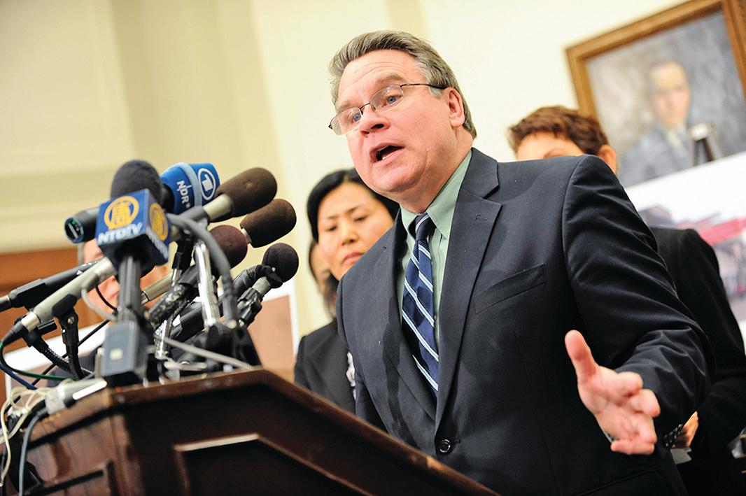 針對中共官媒的威脅,美國聯邦眾議員史密斯回應說,中共的恐嚇不能讓他噤聲。圖為史密斯資料照。(AFP)