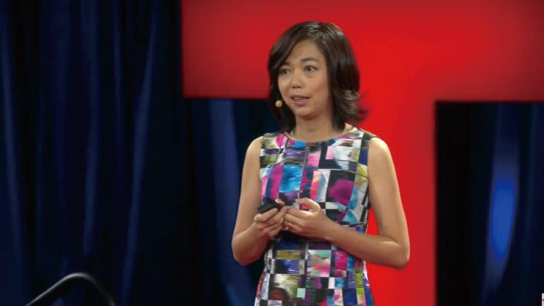 與中共關係密切的美國華裔人工智慧專家李飛飛成為推特獨立董事後,推特疑似被迅速「染紅」。多名網友談論李飛飛遭封號。(影片截圖)