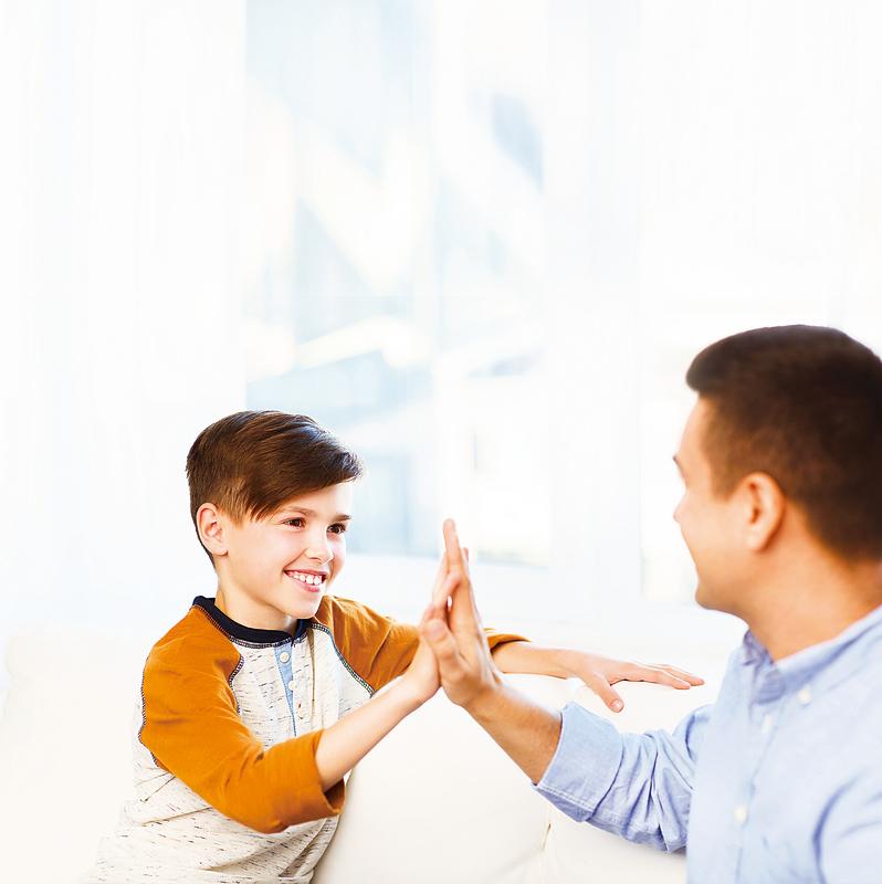 傾聽孩子很重要 父母不急給意見