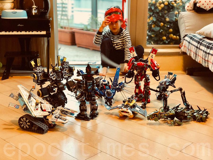 4歲的Lok便會獨自堆砌適合16歲少年的LEGO玩具。(受訪者提供)