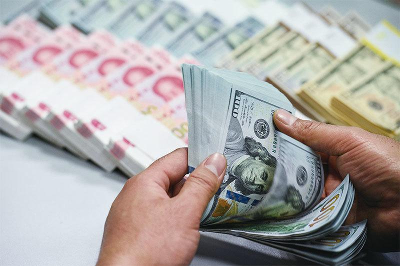 外界認為,中共在財政吃緊及巨大債務壓力下,試圖以發行特別國債的方式開啓無限制用錢模式。(大紀元資料室)