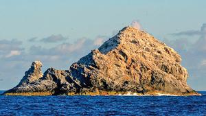 研究發現世界最大火山在洋面僅露尖角