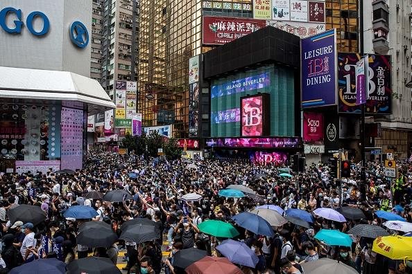 5月24日,數以萬計的港人再次走上街頭抗議。(ISAAC LAWRENCE/AFP via Getty Images)
