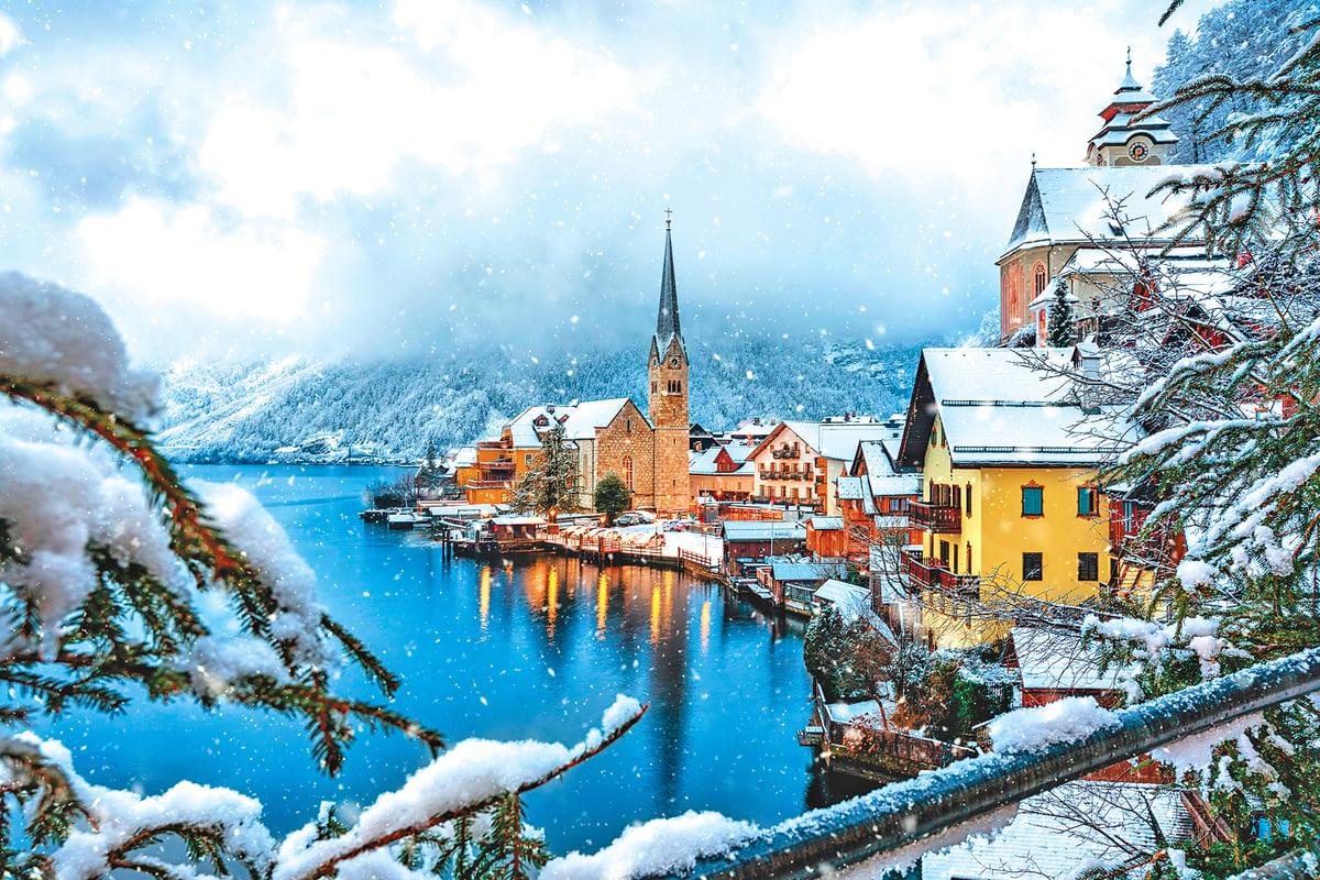 冬天的哈修塔特白雪皚皚,宛如童話世界。