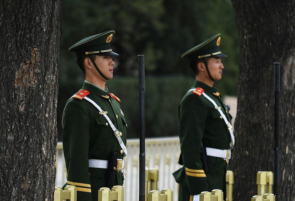 近日,習近平軍中鐵桿軍委副主席張又俠在兩會上放狠話,重提肅清「軍中流毒」,引起外界諸多猜測。示意圖(GREG BAKER/AFP via Getty Images)