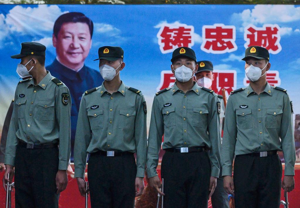 前中共軍官披露,軍隊跟習近平其實並不是心貼心。(Kevin Frayer/Getty Images)