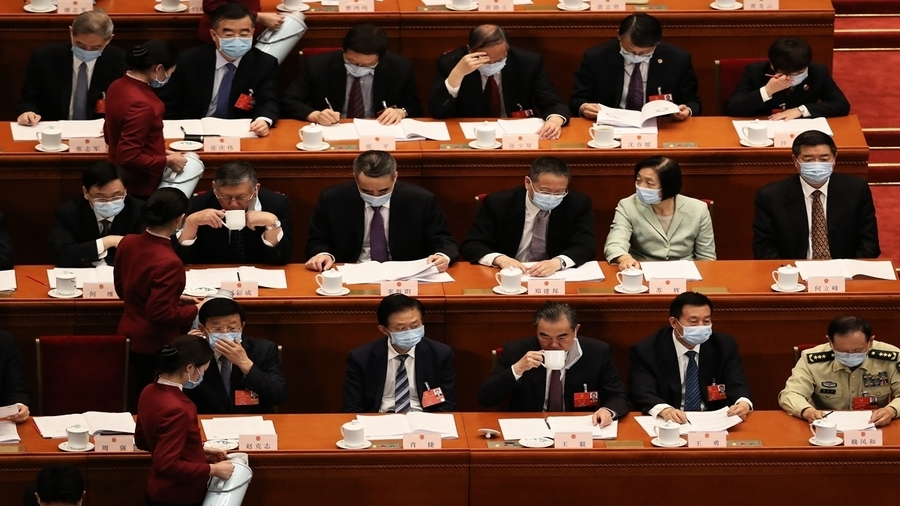 北京兩會看點:代表的口罩和習近平的茶杯