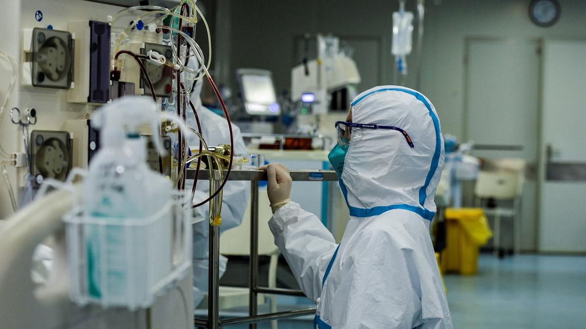 近日,有法媒揭露發源於武漢的疫情警報被捂死的內幕。示意圖( STR/AFP via Getty Images)