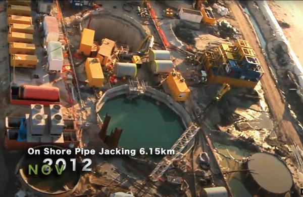2013年建設過程中的以色列海水淡化廠一期工程。(視頻截圖)