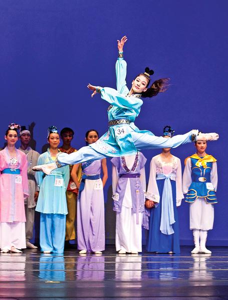 中國古典舞殿堂上的西方美女