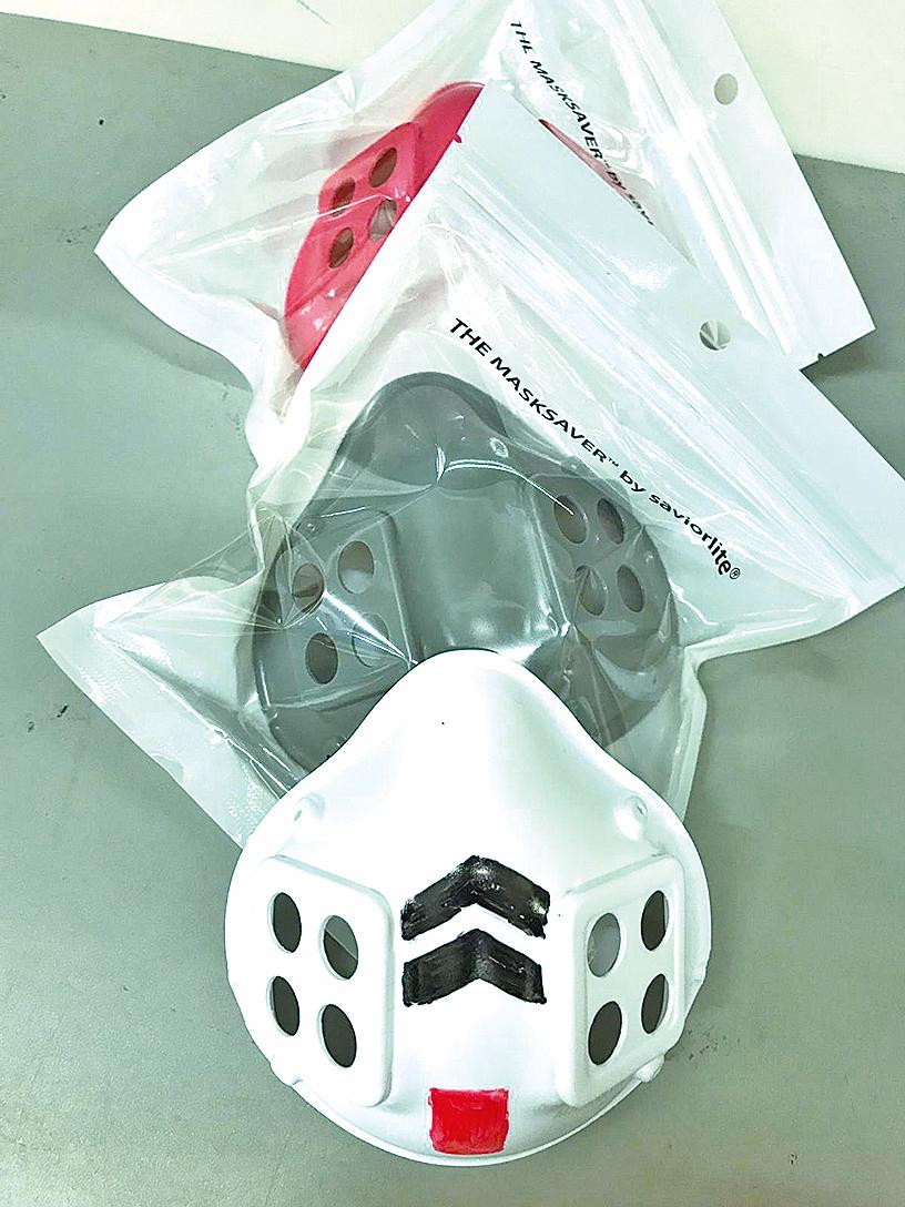 學生還可以發揮創意,在口罩上畫上不同的圖案,設計出自己的個性口罩。