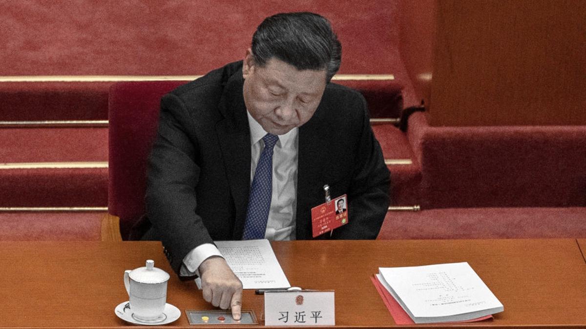 日本政府發言人2020年5月28日表示,香港的情勢變化對於習近平訪日會造成不利影響。圖為習近平對港版國安法按鍵投票。(Kevin Frayer/Getty Images)