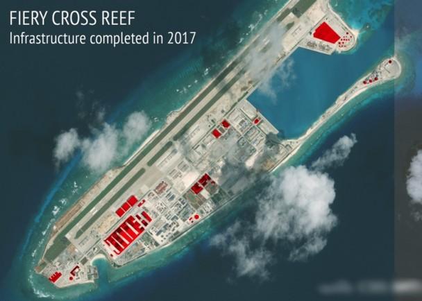 2017年12月,AMTI公布衞星照片,指中國在永暑礁繼續興建軍事設施。(公有領域)