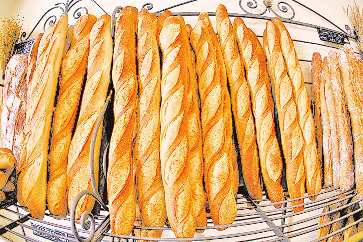 外皮酥脆的長棍麵包(baguette)是很多人的最愛。